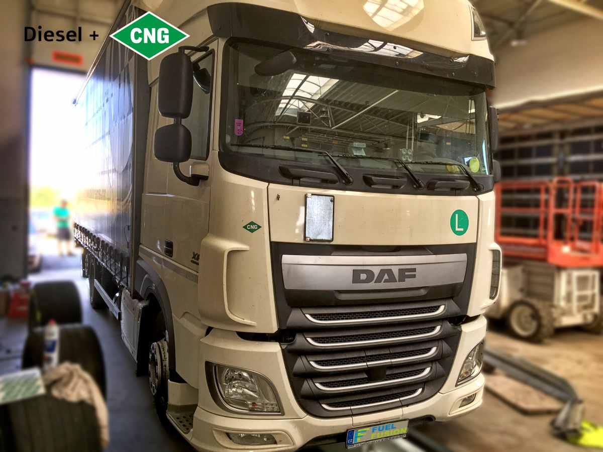 DAF XF 460 diesel CNG splňující požadavky na osvobození od mýta v Německu