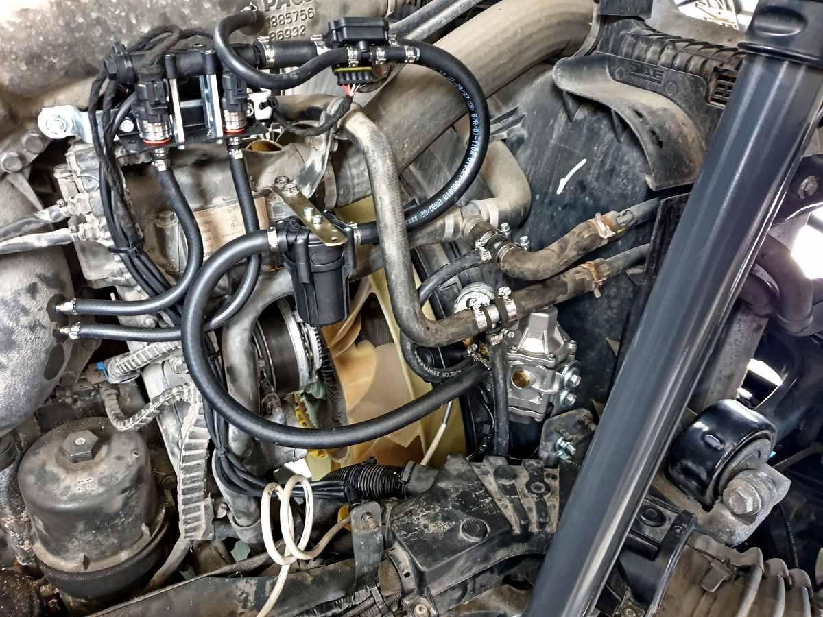 DAF XF 460 Diesel-CNG - reduktor a vstřikovače CNG s příslušenstvím