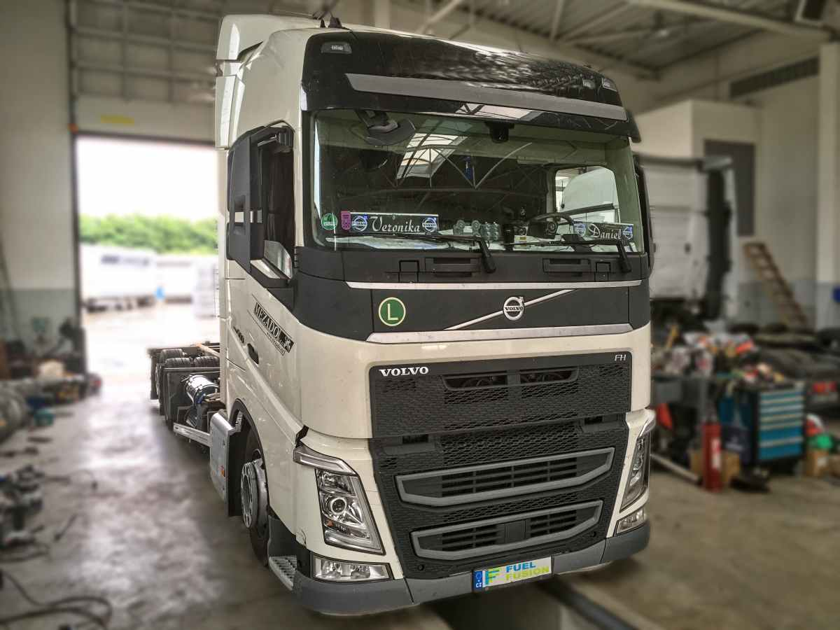 Volvo FH 500 diesel CNG duální pohon